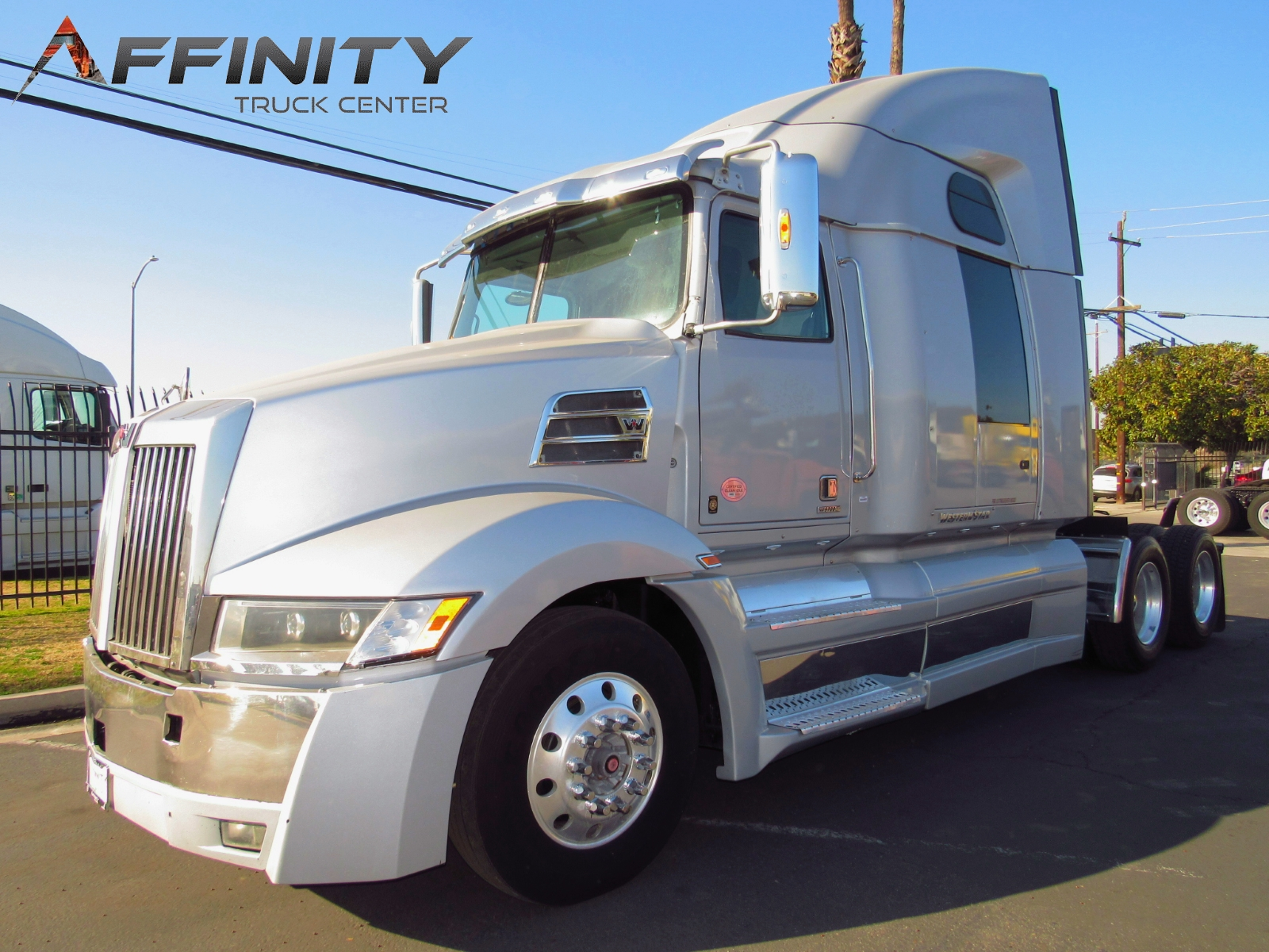 2016 WESTERN STAR 5700XE image