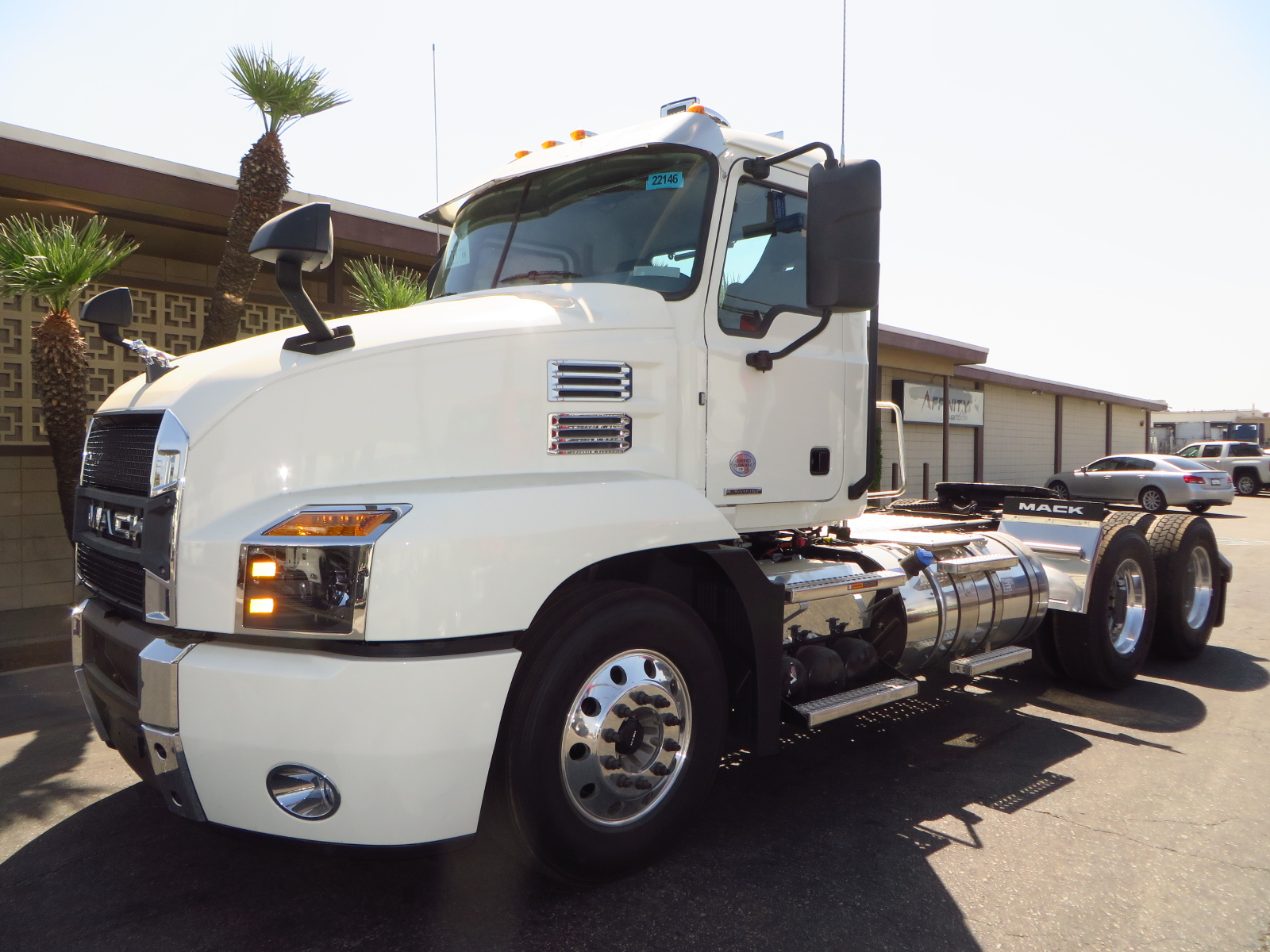 2022 MACK AN64T-DAYCAB image